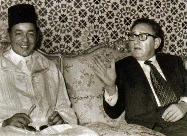 El exmonarca marroquí, Hassán II, y el exsecretario de Estado de Estados Unidos, Henry Kissinger. / Archivo Sahara Gasteiz